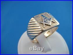Classic Masonic Men's Vintage Ring 7.7 Grams Size 11 10k Yellow Gold