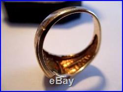 Estate Item VINTAGE 10 K MEN'S GOLD RING WITH STONE 3.8 grams not scrap