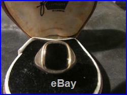 Lovely Vintage Mens 9ct Gold & Onyx Engraved Ring, Birm, 1973