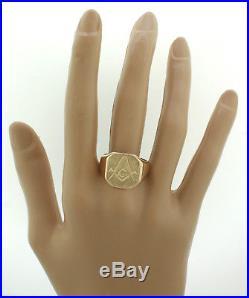 Mens Vintage Estate 14K Yellow Gold Masonic G Wide Signet Ring