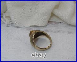 Vintage 10K Yellow Gold Mens Tigers Eye Signet Ring Size 10 Textured