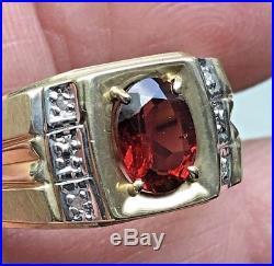 Vintage 10k Yellow gold Men's ring withGenuine Garnet & Diamonds sz 10.5 / 4.9g