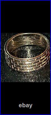 Vintage 14KT Yellow Gold makers mark- Artistic Brick Design Cigar Band Ring men