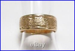 Vintage ArtCarved 14K Gold Crosshatch Texture Mens Cigar Wedding Band Ring S 6.5