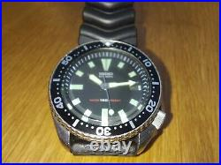 Vintage SEIKO 7002-700A Automatic Diver WATCH. Original dial and chapter ring