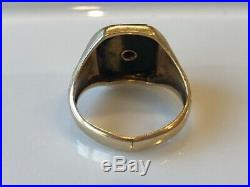 Vintage mens 10K Gold and Black Onyx With Diamond Feature Ring