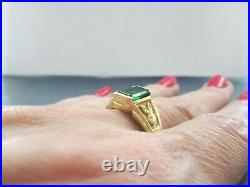 Vntg Solid 14K Yellow Gold Playboy Bunny Ring Signet withGreen Stone sz 12.75 MEN