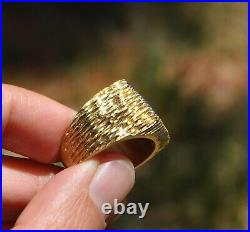 Vtg Cr 18k Solid Gold Deep Blue Lapis Mens Ring Square Textured Heavy Sz 7.75